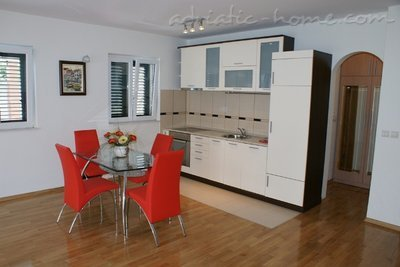 Apartments Villa Lara - BIG RED, Budva, Montenegro - photo 8