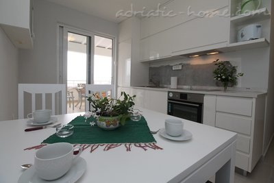 Apartments Lilian , Budva, Montenegro - photo 2