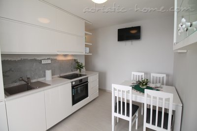 Apartments Lilian , Budva, Montenegro - photo 3