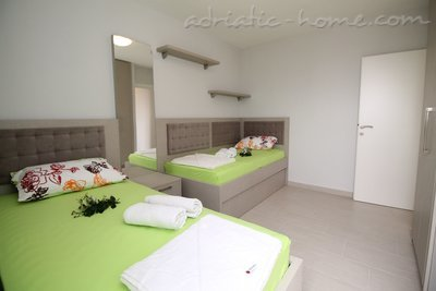 Apartments Lilian , Budva, Montenegro - photo 6
