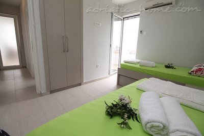 Apartments Lilian , Budva, Montenegro - photo 8
