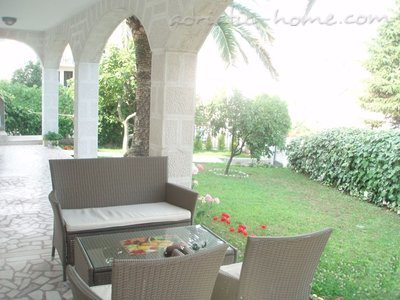 Apartamente Novak apartment with garden, Budva, Mali i Zi - foto 12