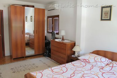 Apartments Marica , Budva, Montenegro - photo 3
