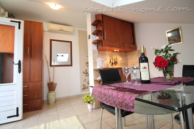 Apartments Marko , Budva, Montenegro - photo 2