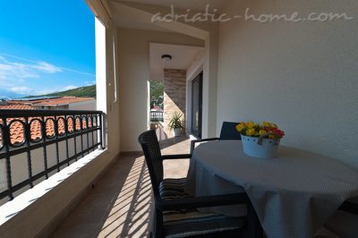 Studio apartment Villa Medora, 2+1 persons, Baška Voda, Croatia - photo 10