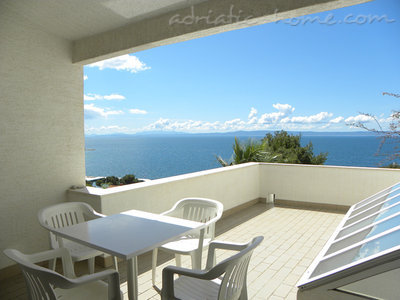 Apartments Villa Carmen, Brela, Croatia - photo 2