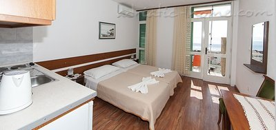 Studio appartement Apartments Virginia, Vila Rozalija , Brela, Kroatië - foto 6