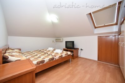 Apartments Dobrljanin****, Budva, Montenegro - photo 6