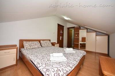 Apartments Dobrljanin****, Budva, Montenegro - photo 7