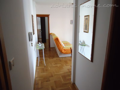 Apartments Dobrljanin 7****, Budva, Montenegro - photo 1