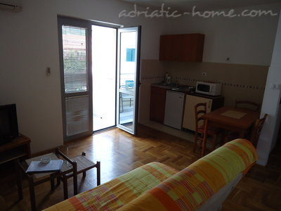 Apartments Dobrljanin 7****, Budva, Montenegro - photo 3