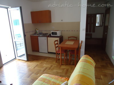 Apartments Dobrljanin 7****, Budva, Montenegro - photo 4