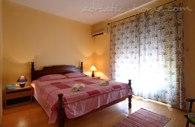 Apartments Vila Lighthouse I, Budva, Montenegro - photo 7