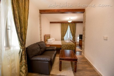Studio apartment Hotel Restaurant Conte, Perast, Montenegro - photo 8