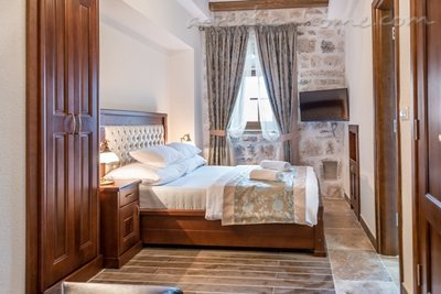 Studio apartment Hotel Restaurant Conte, Perast, Montenegro - photo 5