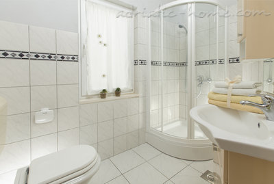Studio apartment Mirta Promajna, Promajna, Croatia - photo 4