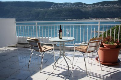 Apartments Kukoljac A7 A8, Herceg Novi, Montenegro - photo 1