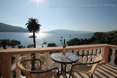 Apartments Tre Sorelle, Herceg Novi, Montenegro - photo 1