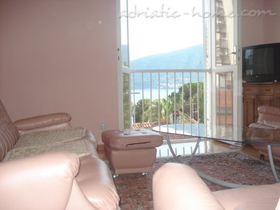 Apartments Boskovic, Herceg Novi, Montenegro - photo 2