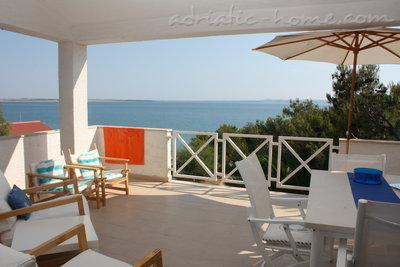Appartamenti Apartmans with see view (B1), Pag, Croazia - foto 2
