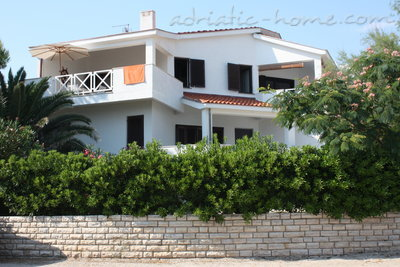 Appartamenti Apartmans with see view (B1), Pag, Croazia - foto 1