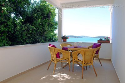 Studio apartment DEA, Hvar, Croatia - photo 2