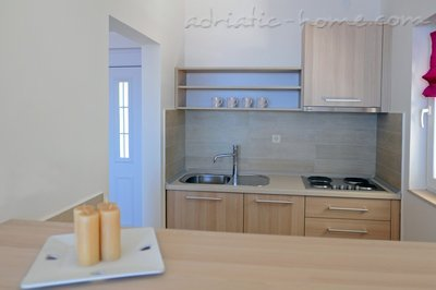 Studio apartment DEA, Hvar, Croatia - photo 4