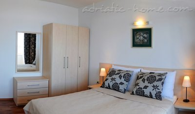 Apartments DEA 5, Hvar, Croatia - photo 6