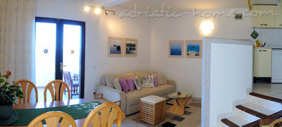 Apartments Avelini house Apartment B, Hvar, Croatia - photo 4