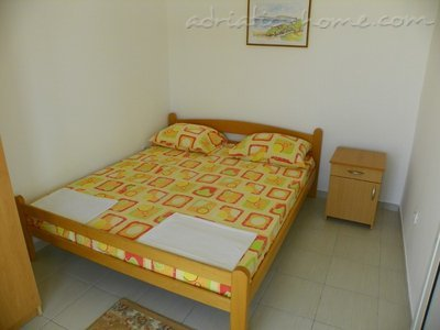 Apartments etna, Ulcinj, Montenegro - photo 4