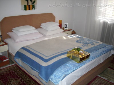 "Apartments Vila "" Danica "", Petrovac, Montenegro - photo 3"