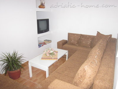 Apartments Adriatic VI, Ulcinj, Montenegro - photo 2