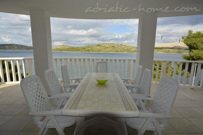 Апартаменты Villa Viktorija & Gabrijel A7+1 directly at sea, private beach, 4  boat landings, Primošten, Хорватия - фото 9