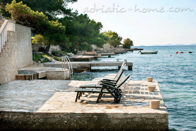 Апартаменты Villa Viktorija & Gabrijel A7+1 directly at sea, private beach, 4  boat landings, Primošten, Хорватия - фото 14
