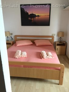 Studio apartment Apartments 3+1, Brač, Croatia - photo 11