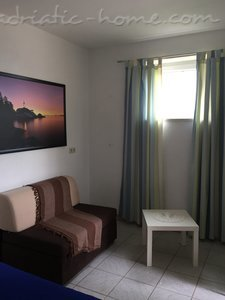 Studio apartment Apartments 2+1, Brač, Croatia - photo 9
