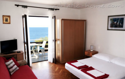 Studio apartment  Mia 2, Hvar, Croatia - photo 3