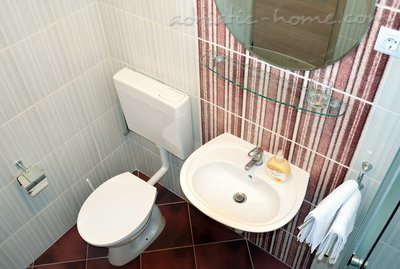 Studio apartment Mia 3, Hvar, Croatia - photo 9
