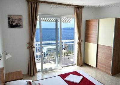 Studio apartment  Mia 4, Hvar, Croatia - photo 4