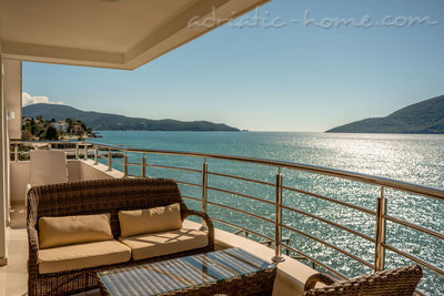Apartments Lux apartman Twins, Herceg Novi, Montenegro - photo 1