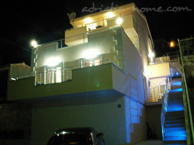 Appartamenti Luxury 4* apartments villa Dusanka 100m od Mora, Pisak, Croazia - foto 2