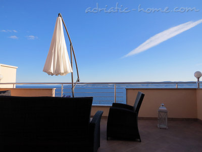 Apartments Luxury Apartments Villa Dusanka 100m od mora, Pisak, Croatia - photo 1