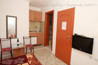 Studio apartment Vila Dalex, Pržno, Montenegro - photo 4