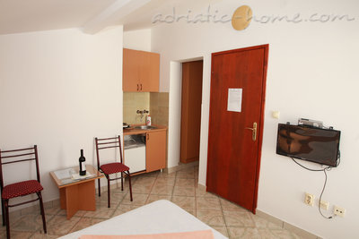 Studio apartment Vila Dalex, Pržno, Montenegro - photo 5