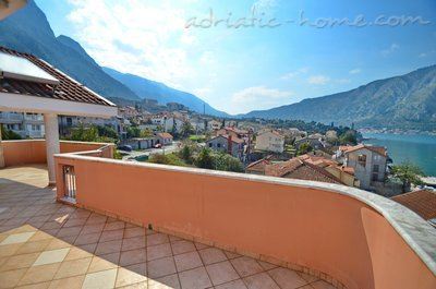 Апартаменты Kotor Bay Beautiful Sea View Apartment, Kotor, Черногория - фото 5