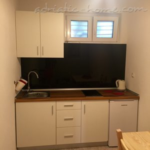 Studio apartment Urlic Dick IV, Drašnice, Croatia - photo 2