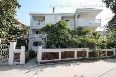Apartments Vera, Herceg Novi, Montenegro - photo 1
