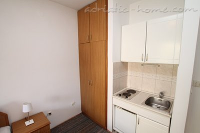 Apartments Vera, Herceg Novi, Montenegro - photo 4