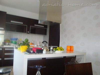 Apartments LUX APARTMAN, Budva, Montenegro - photo 3
