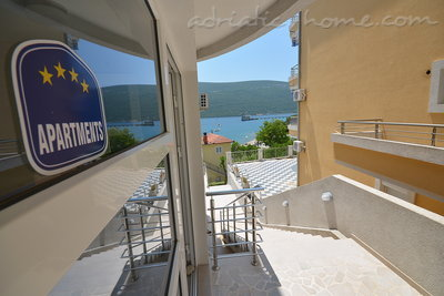 Apartments Vojvodic Star I B, Herceg Novi, Montenegro - photo 3